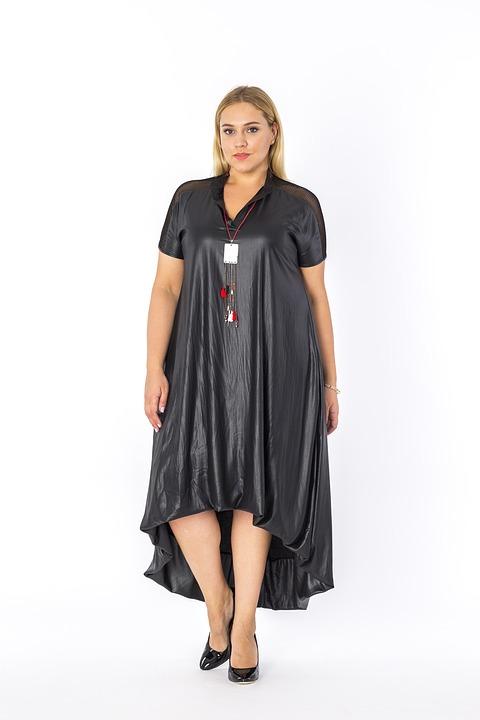 Piękne sukienki wieczorowe w rozmiarach XXL